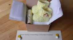 Baby Booties Easter Pregnancy announcement by Mittenandtheyarn