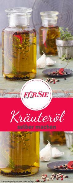 Kräuteröle werden oft unterschätzt und sind noch nicht ganz in der deutschen Küche angekommen. Dabei kann man sie ganz leicht selbst ansetzen und für den eigenen Bedarf verwenden oder verschenken.