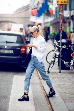 Oversized shirt, boyfriend jeans.