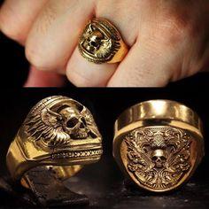 More at Mike Vands 😈 Mens Skull Rings, Mens Silver Rings, Men's Jewelry Rings, Skull Jewelry, Silver Jewellery, Dragon Ring, Unusual Rings, Biker Rings, Ring Watch