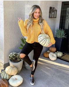 Liveloveblank.com , fashion ideas, affordable fashion, lifestyle blogger, Arizona, everyday look, style blog, fashion, OOTD, Scottsdale, AZ, mom style, casual and affordable fashion and style, fashion over 40, fashion over 30, Fall fashion, sweater weather, pumpkins