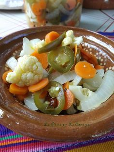 Some of the best escabeche (pickled peppers and vegetables) were the ones prepared at home. Most often they were jalapeños, carrots and onions in a simple brine of white vinegar, salt and a touch of… Pickled Jalapenos And Carrots Recipe, Pickled Carrots, Pickling Jalapenos, Pickled Onions, Roasted Carrots, Best Pickled Jalapeno Recipe, Pickling Peppers, Mexican Dishes, Mexican Food Recipes
