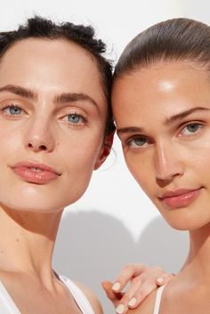 Meet our new GOOPGLOW Microderm Instant Glow Exfoliator. It's a clinically-proven microdermabrasion exfoliator that delivers the benefits of both physical and chemical exfoliation. Beauty Skin, Beauty Makeup, Hair Beauty, Glowy Skin, Beauty Shoot, Perfect Skin, Mannequins, Natural Makeup, Makeup Looks