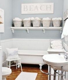 contenitore bagno-decorato-con-cestini,