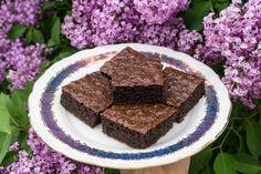 Brownies z mandlové mouky Brownies, Low Carb, Food, Fitness, Diet, Cake Brownies, Essen, Meals, Yemek