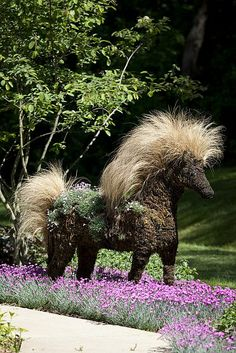 I would have no idea how to shape the form itself but LOVE the idea of grasses for the mane and tail......!