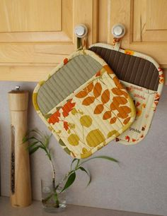 You have to see Potholders on Craftsy! - Looking for sewing project inspiration? Check out Potholders by member like-to-sew. - via @Craftsy
