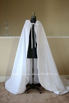 ChicArtificial fur edge Floor Length Wedding Bridal Cape in Soft Satin by LAmei on Etsy Indian Designer Outfits, Designer Dresses, Capes, Victorian Era Dresses, White Faux Fur Coat, Culture Clothing, Bridal Cape, Anime Dress, Chinese Clothing