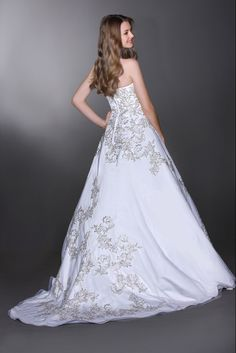 Style 50261 » Wedding Gowns » DaVinci Bridal » Available Colours : Ivory/Silver, Ivory/Ivory, White/Silver, White/White (back)
