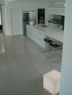 Epoxy on pinterest spray paint for metal metals and - Peinture carrelage sol effet beton cire ...