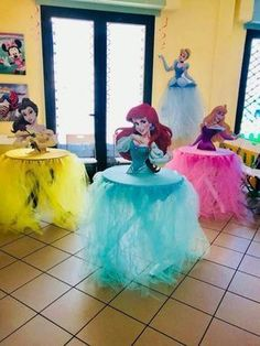 Princess Centerpieces for birthday or any themed event Thi Disney Princess Birthday Party, 3rd Birthday Parties, Birthday Ideas, Princess Disney, Birthday Table, Themed Parties, Disney Princesses, Girl Birthday Party Themes, Princess Sophia