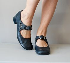 mary janes / 1960s shoes / mod 60s shoes / Miss Datebook heels