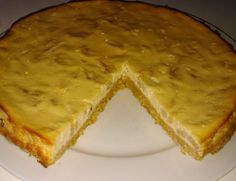 Zdravý tvarohový koláč s banánem, krok 2: Až vločky nabobtnají, rozmícháme v nich lžíci másla, příp. ještě na 30 sekund dáme do mikrovlnky (aby se všechna voda vsákla).