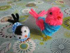 2 pipe cleaner bird ornaments Pink & Blue Vintage by niftyowl - General Crafts Pipe Cleaner Projects, Pipe Cleaner Art, Pipe Cleaner Animals, Pipe Cleaners, Cute Crafts, Crafts To Make, Crafts For Kids, Arts And Crafts, Paper Crafts