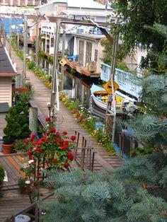 Seattle Floathouse Community