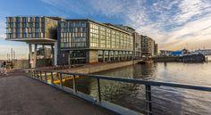 泊ってみたいホテル・HOTEL|オランダ>アムステルダム>アイ川と市内中心部の景色を見渡す理想のロケーション>ダブルツリー バイ ヒルトンDoubleTree by Hilton Amsterdam Centraal Station)