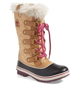 Your online source for sorel, snow boots, rainboots, snowboots, winterboots, winter footwear and SOREL 'Tofino' Boot