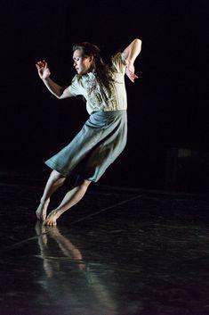 Vanessa Vince-Pang in Christopher Bruce's Shadows. Shadow Photography, Dance Photography, Contemporary Dance, Modern Dance, Dark Fantasy Art, Alvin Ailey, Boris Vallejo, Elements Of Dance, Royal Ballet