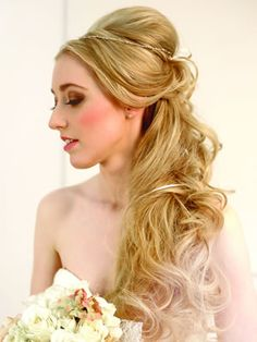 'Get the look' bridal hair step by step Tousled half up • Wedding Ideas magazine