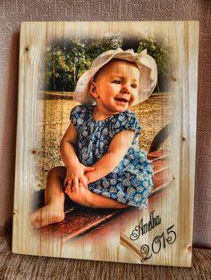 Kolorowe zdjęcie na desce. Prezent na pierwsze urodziny Amelki, A3 / Amelka's first birthday gift, A3