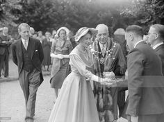 Queen Elizabeth II paid her first visit to Hemel Hempstead to lay the. Hm The Queen, Save The Queen, Princess Margaret, Princess Diana, Young Queen Elizabeth, Queen Hat, Prince Phillip, Elisabeth, History Photos