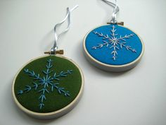 hand embroidered snowflake on felt Snowflake Ornaments, Diy Christmas Ornaments, Snowflakes, White Christmas, Xmas, Craft Club, Needle And Thread, Felt Crafts, Holiday Gifts