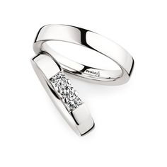 Lady's ring  Item number 0243608  Shown here in:   950 Platinum  Width 4,0 mm  3 Diamants  Brilliant 0,30 ct       Man's ring  Item number 0280001  Shown here in:   950 Platinum  Width 4,0 mm   Read more ›