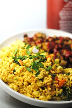This easy, vegan scramble is great on toast, with hashbrowns or served over rice. Makes a quick and satisfying meal. I love easy recipes. Vegan Breakfast Recipes, Vegetarian Recipes, Healthy Recipes, Easy Recipes, Breakfast Ideas, Tofu Breakfast, Vegetarian Dish, Breakfast Smoothies, Scrambled Tofu Recipe