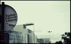 Egalité, Fraternité, Liberté Fuente: Flickr. Autor: Marta Favro. Licencia: CC BY-NC-SA 2.0