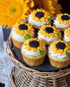 #sunflower #sunflowers #sunflowercupcakes #cupcakes #backwoodsblessed  Follow @backwoodsblessed @backwoodsblessed @backwoodsblessed @backwoodsblessed