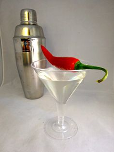 Spice things up with this recipe for Sous Vide Chilli Vodka! Easy, quick, and delicious. Anova Recipes, Sous Vide Cooking, Living Proof, Bloody Mary, Spice Things Up, Food To Make, Vodka, Drinks, Cocktails