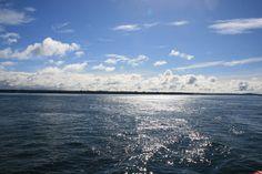 Calbuco es una comuna chilena de la X Región de Los Lagos, Cruzando por el trasbordador de Calbuco a Chiloé