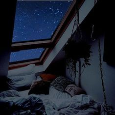Pin By Camilla On My Future House In 2019 Dream Rooms Bedroom - Traumhaus Future House, Night Aesthetic, Aesthetic Room Decor, Aesthetic Light, Aesthetic Grunge, Dream Rooms, Dream Bedroom, Night Bedroom, Nature Bedroom
