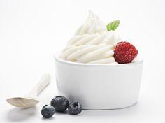 Süßes Eis genießen und trotzdem schlank bleiben? Das geht mit kalorienarmem Frozen Joghurt! Hier gibt's leckere Rezepte zum