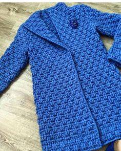 Crochet Patterns Coat Photos of Polina Krainova This Pin was discovered by Тат Crochet patterns: Free Crochet Patterns For 3 Winter Coats - Easy Crochet Winter Coat Ideeas Holt by Kim Hargreaves in Erik No photo description available. Gilet Crochet, Crochet Bra, Crochet Jacket, Knit Jacket, Crochet Cardigan, Crochet Clothes, Easy Crochet, Free Crochet, Pull Bebe