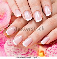 6 Tipps für die perfekte Maniküre zu Hause - Rebel Without Applause Take Off Gel Nails, Gel Nails At Home, Manicure At Home, Manicure E Pedicure, How To Do Nails, French Manicure Designs, Pink Nail Designs, Nails Design, French Nails