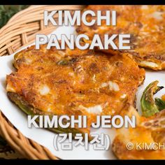 pancake videos kimchi pancake thats crispy and divine. Its also a perfect way to use up old sour kimchi. K Food, Good Food, Yummy Food, Salmon Recipes, Asian Recipes, Healthy Recipes, Korean Side Dishes, Kimchi Kimchi, Kimchi Ramen