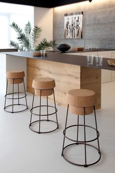 Pick a design from these 18 dazzling contemporary home bar designs you can't dislike that you think is best for your home and perfectly fits its interior design. Kitchen Inspiration Design, Interior Design Kitchen, Home Decor Kitchen, Decor, Kitchen Interior, Home Bar Designs, Modern Bar Stools, Kitchen Bar Stools, Contemporary Kitchen