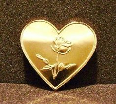 '24K GOLD ROSE ON HEART ' is going up for auction at  8am Sat, Jun 22 with a starting bid of $5.