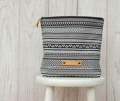 Große Kulturtasche mit Ethno Muster / boho style cosmetic bag, bathroom, geometrical pattern made by lütt & lang via DaWanda.com