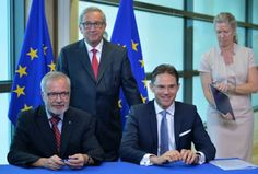Lideri EU-a potpisali trogodišnji Investicijski plan vrijedan 315 milijardi eura! | http://www.dnevnihaber.com/2015/07/lideri-eu-potpisali-trogodisnji-investicijski-plan-vrijedan-315-milijardi-eura.html