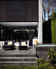 An online architectural library that connects the design professional & home renovating market with sourcing building products & interior materials. Bookmarc products & share your design collection with colleagues or friends. Dream Home Design, House Design, Malvern House, Exterior Blinds, Melbourne House, Facade House, Screens, Beautiful Homes, Modernism