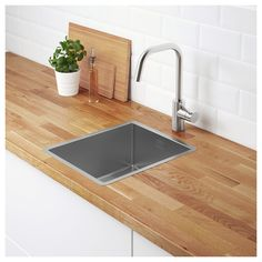 NORRSJÖN dual mount sink bowl enhances the modern style in the kitchen. The included LILLVIKEN lid gives the sink bowl a smooth surface and clean design, without compromising on style. Fitted Cabinets, Steel Seal, Design Simples, Inset Sink, Sink Strainer, Sink Accessories, Polypropylene Plastic, Countertop Materials, Stainless Steel Kitchen