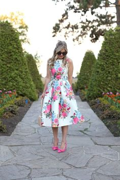 12 floral dress outfits to transition from summer to fall 2020 – Dresses Fashion Womens 2020 Church Dresses, Modest Dresses, Pretty Dresses, Beautiful Dresses, Midi Dresses, Casual Dresses, Eliza J Dresses, Modest Fashion, Fashion Dresses