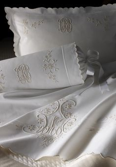 monogram bedding - Cris Figueired♥