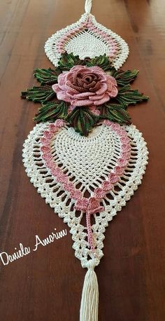Kira crochet: Scheme no. 260 - Her Crochet Crochet Table Runner Pattern, Free Crochet Doily Patterns, Crochet Motifs, Crochet Squares, Thread Crochet, Crochet Doilies, Crochet Flowers, Crochet Tablecloth, Diy Crafts Crochet