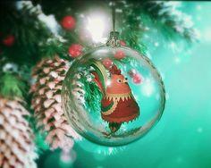 Ёлочный шар с квиллинг Петухом. Paper Art, Christmas Bulbs, Holiday Decor, Home Decor, Papercraft, Decoration Home, Christmas Light Bulbs, Room Decor, Home Interior Design