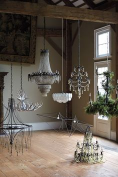 Chandelier add some rustic chic light elegance and charm to your home with Chandeliers, Antler Chandelier, Empire Chandelier, Chandelier Lighting, Red Chandelier, Home Interior, Interior And Exterior, Luxury Interior, Interior Architecture