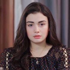 Autumn Photography, Girl Photography, Girly M, Pakistani Girl, Stylish Girl Images, Turkish Beauty, Cute Girl Photo, Beautiful Girl Image, Girly Pictures