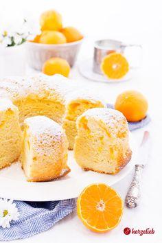 Cake Recipes, Rural Women Recipes: Recipe for a tangerine sour cream gugelhupf like from grandma! Quick cake – these children love tangerine cake Mandarinen-Schmand-Gugelhupf Rezept -Schmandkuchen saftig Cinnamon Cream Cheese Frosting, Cinnamon Cream Cheeses, Quick Cake, Novelty Birthday Cakes, Sour Cream Cake, Easy Smoothie Recipes, Pumpkin Spice Cupcakes, Fall Desserts, Fancy Cakes